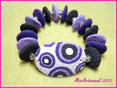 TEXTURED BRACELET TUTORIAL from Cupcake Corner. Translate. #Polymer #Clay #Tutorial