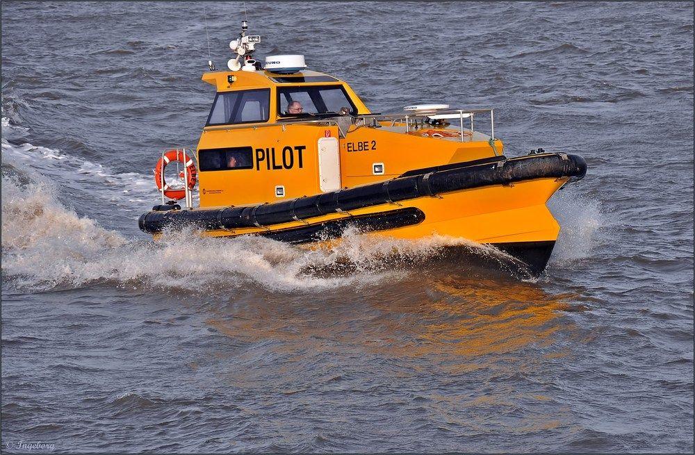 Das Lotsenversetzboot Elbe 2 Bootfahren Kreuzfahrt Elbe