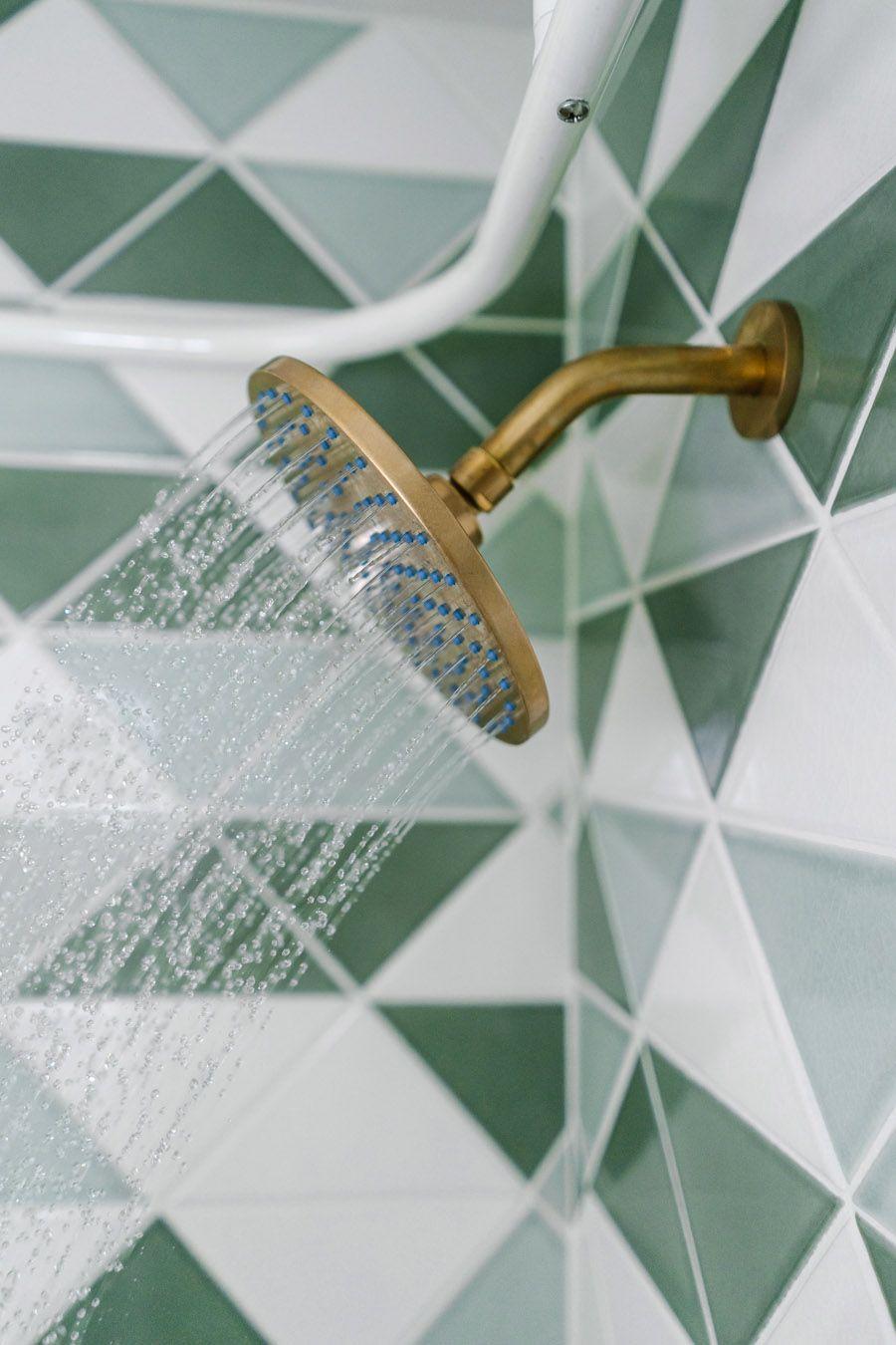 Piastrelle bagno giorno | My home // bathrooms | Pinterest | Bagno ...