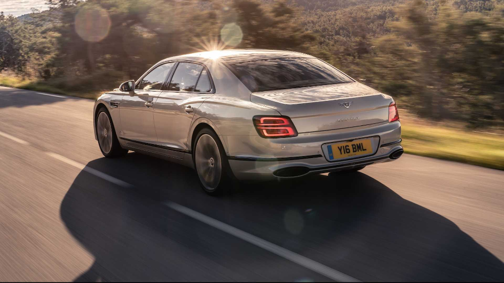 2020 Bentley Flying Spur First Drive PinkyUp Powerhouse