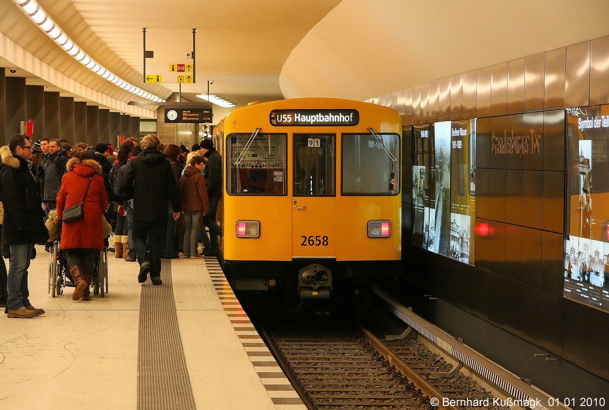 Europa Deutschland Berlin Mitte U Bahnhof Brandenburger Tor U55 Metro System Model Railroad Berlin