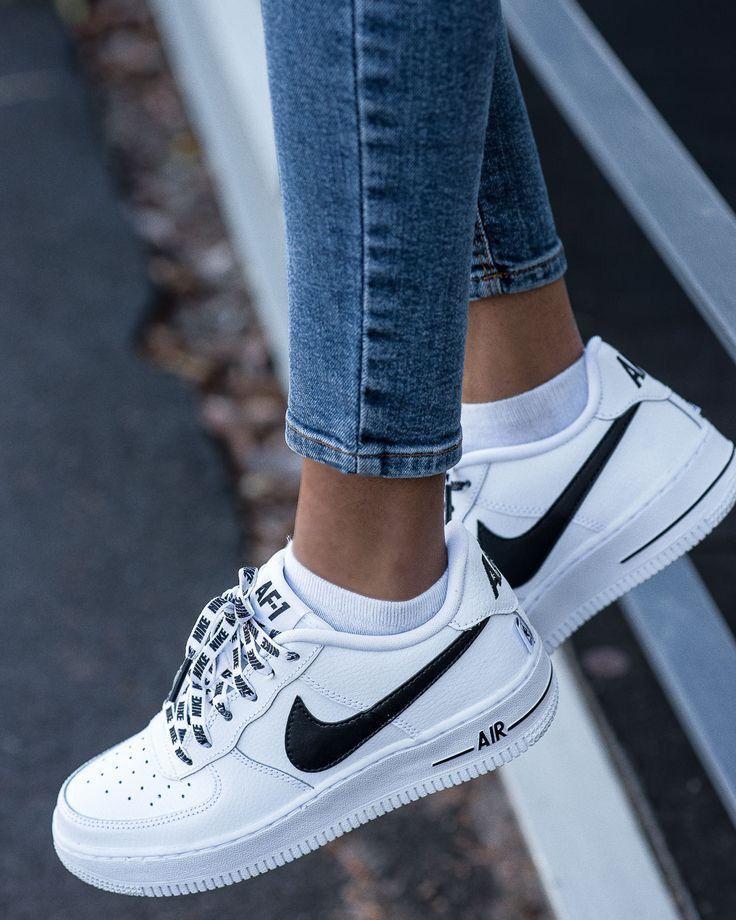 Pin by Karen Muniz on Outfits   Black nike shoes, Sneakers