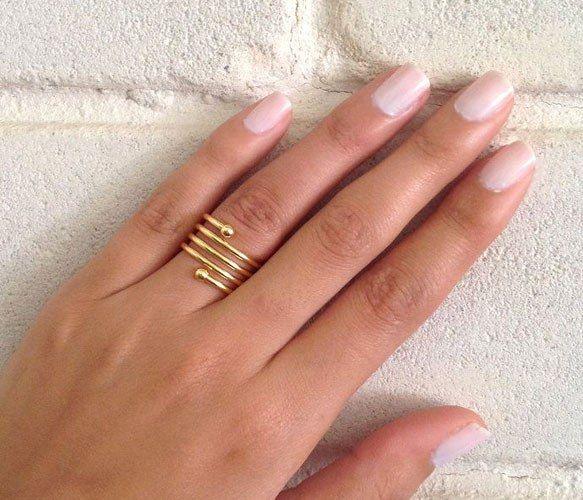Beautiful Swirl Ring