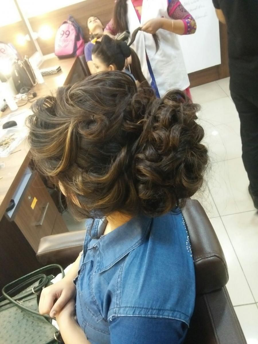 Our Students Work A Beautiful Hair Style At 99 Beautyacademy Beauty Academy In Hoshiarpur Beauty Academy In Lud Hair And Beauty Salon Beauty Beauty Courses