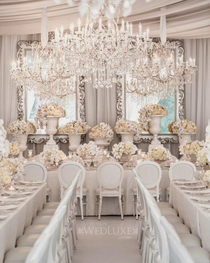 O White Wedding E Um Tipo De Casamento Famoso Nos Estados Unidos Onde A Noiva E Todos Os C White Weddings Reception All White Wedding White Wedding Decorations
