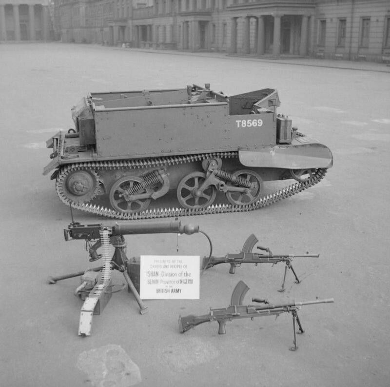 Dit zijn wapens die in de Tweede Wereldoorlog zijn gebruikt.