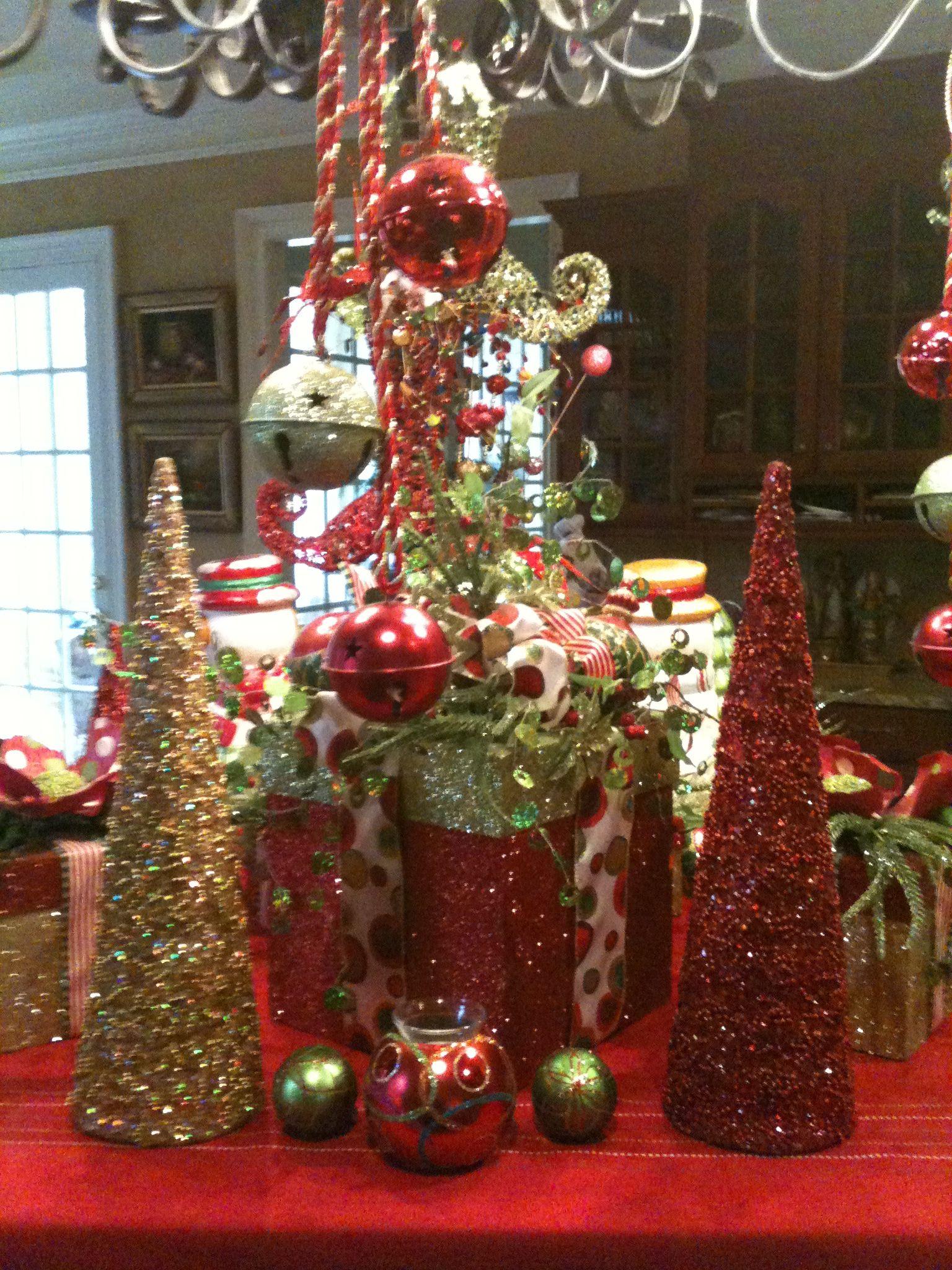 Island Christmas Party Ideas.Bright Christmas Decor For Kitchen Island Christmas