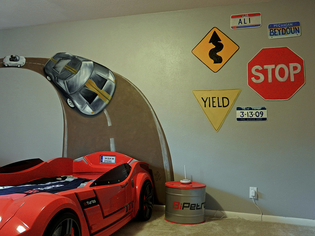 boys race car bedroom paintingincluding the signs