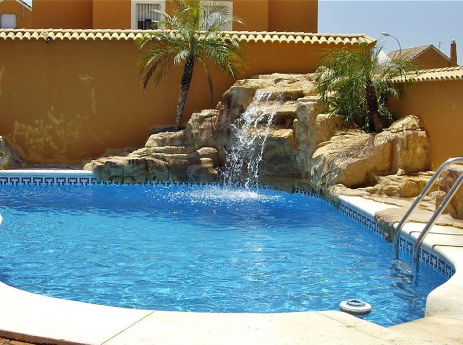 Cascadas y rocas piscinas tem ticas en madrid cascadas for Cascadas para patios