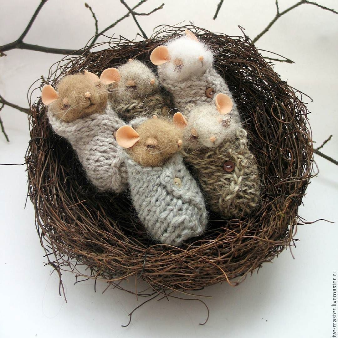 Новости. Swaddled baby mice in a nest. | Felt, With ...