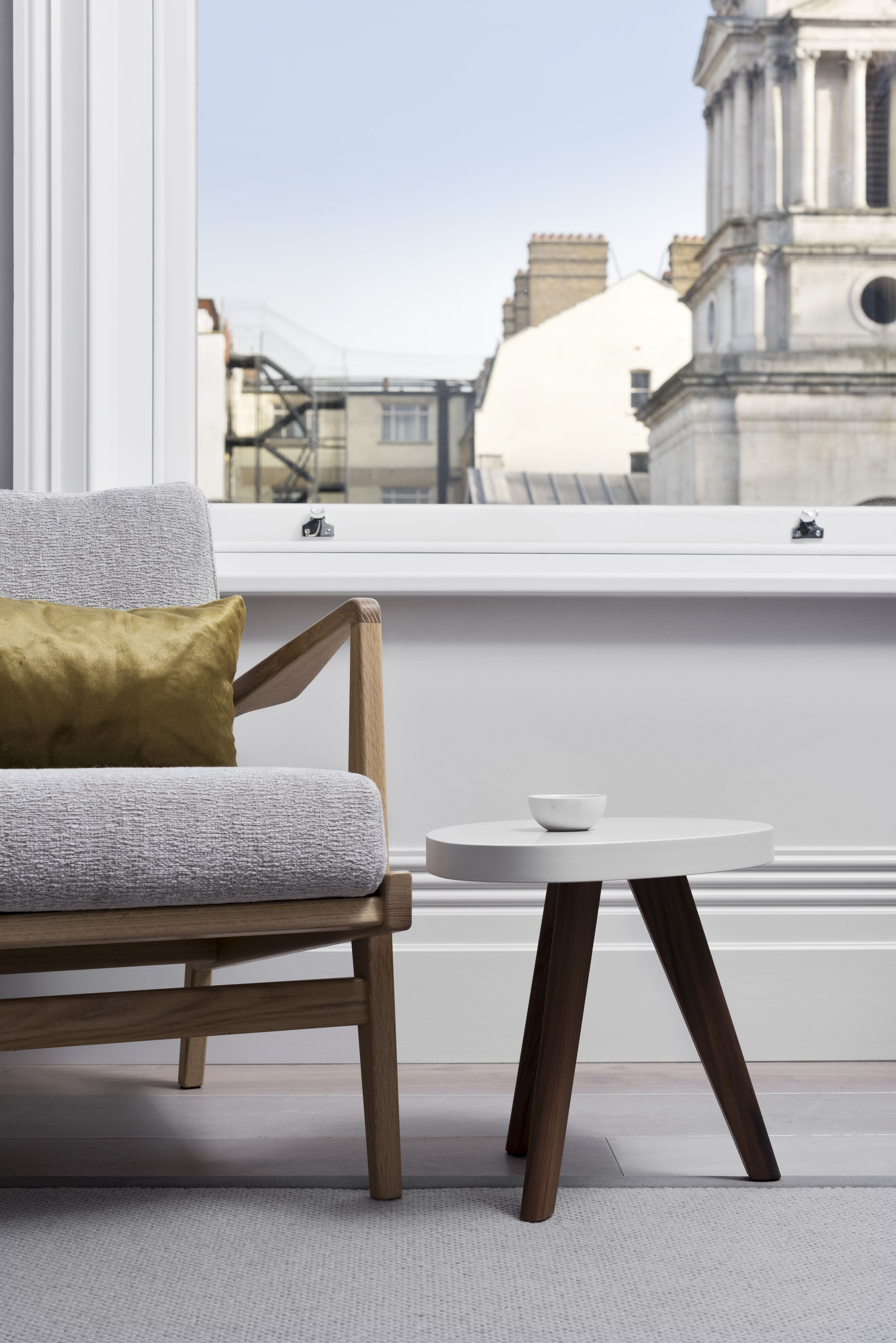 White Rabbit House Ix Is An Apartment Close To London S Tourist Hot Spots From The Modern Kitchen And Bathrooms Trendy Furniture High Ceilings