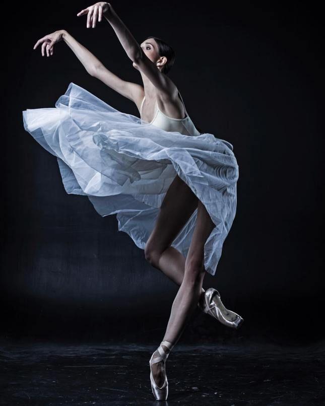 этот необычные фото балерин таких упражениях