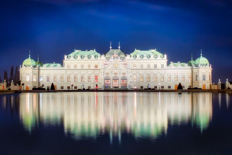 Schloss Belvedere In Wien Am Abend Landmarks Austria Vienna