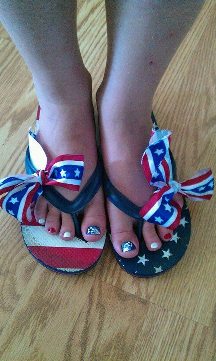 Memorial Day nail art, American flag nails - USA Pedi, 4th of July ...