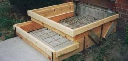 How To Install Concrete Steps Hunker Concrete Steps Concrete Stairs Concrete Diy