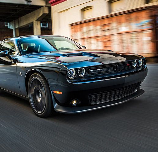The 2016 Dodge Challenger Is A Clic Muscle Car With Modern Technology Iconic Design Fuel Efficiency More Build Price