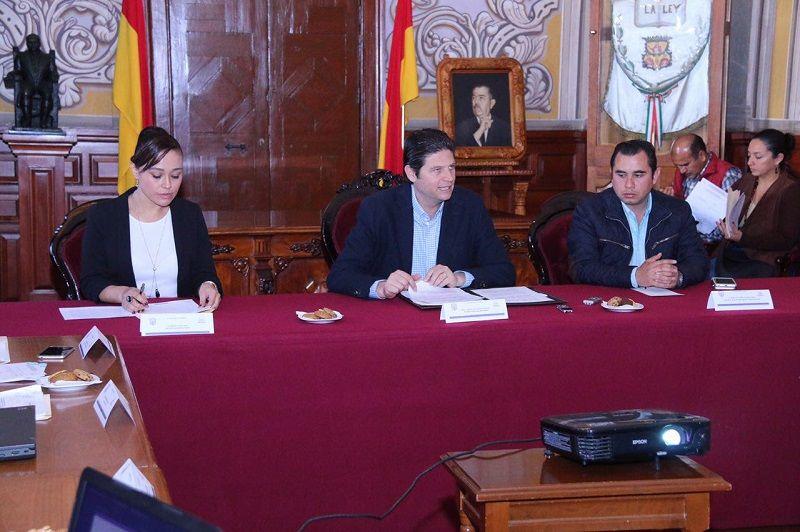 En la búsqueda de proteger y apoyar a los adultos mayores que radican en el municipio y que presentan condiciones de vulnerabilidad, el Ayuntamiento de Morelia en conjunto con la ...