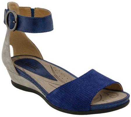 Shop all Women's Earth Footwear Shoes