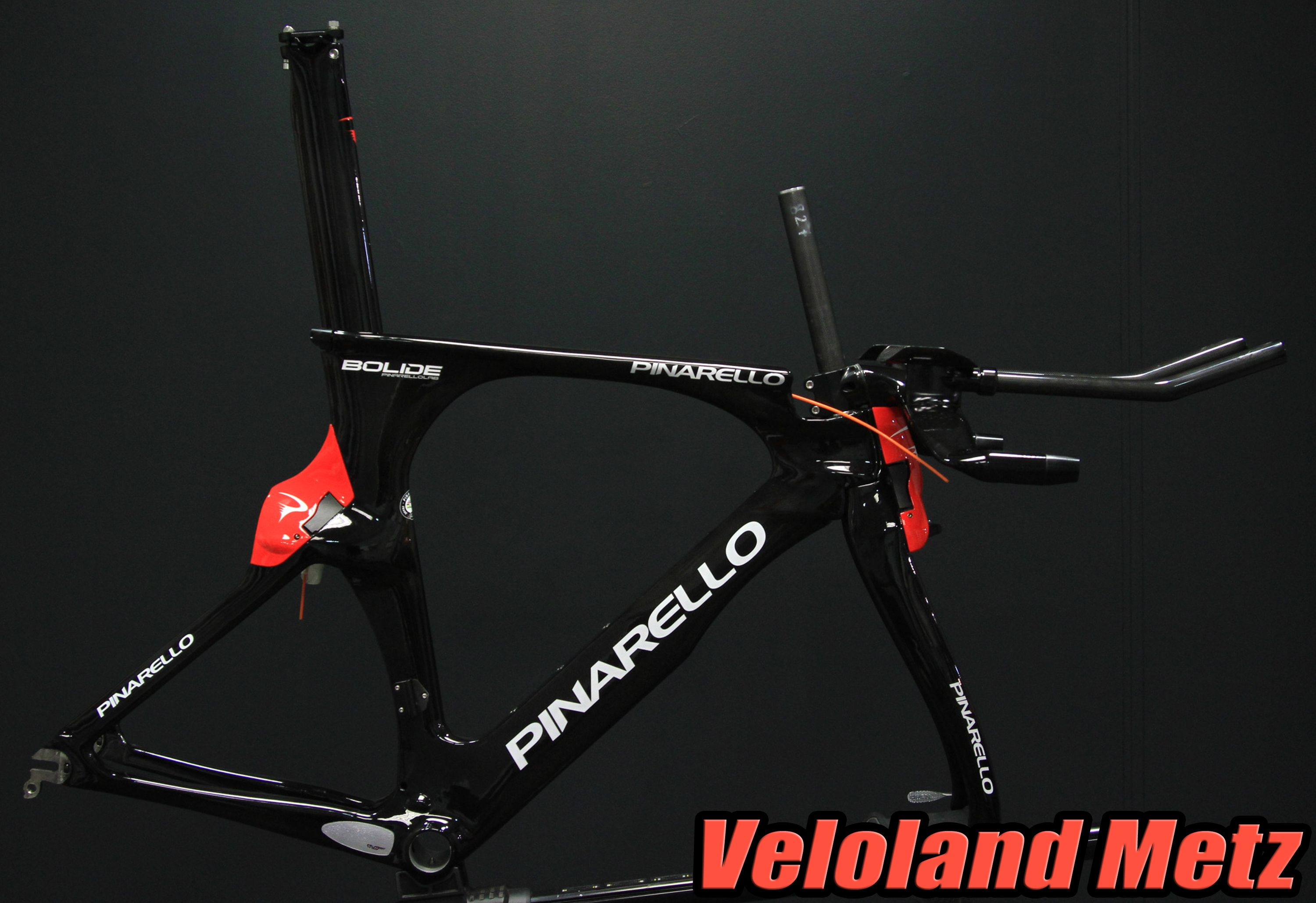 Pinarello Bolide, kit cadre10999€. https://www.facebook.com/pages/Veloland-Metz/169721311591