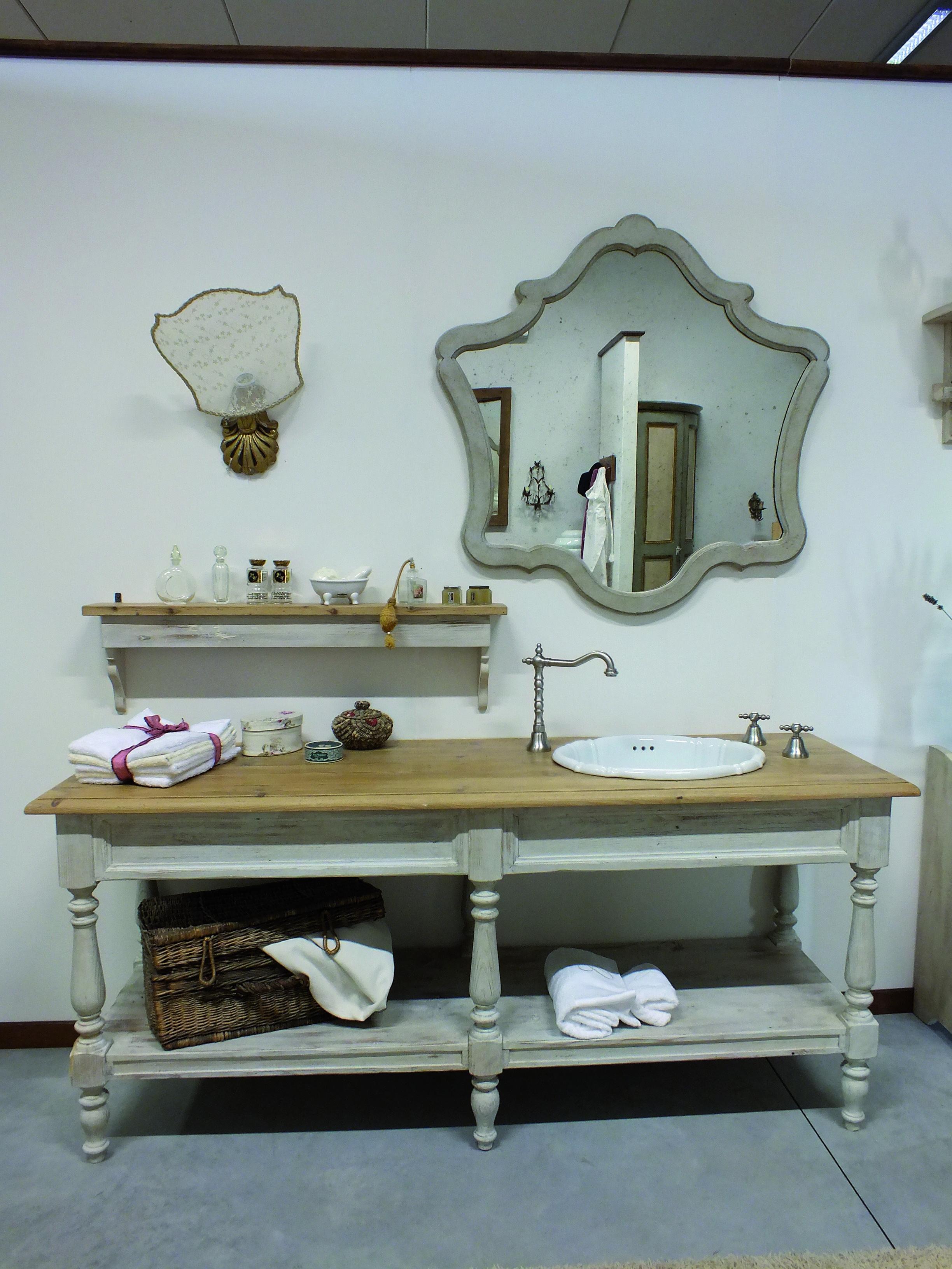 meuble lavande en vieux pin de premià re patine avec lavabo en