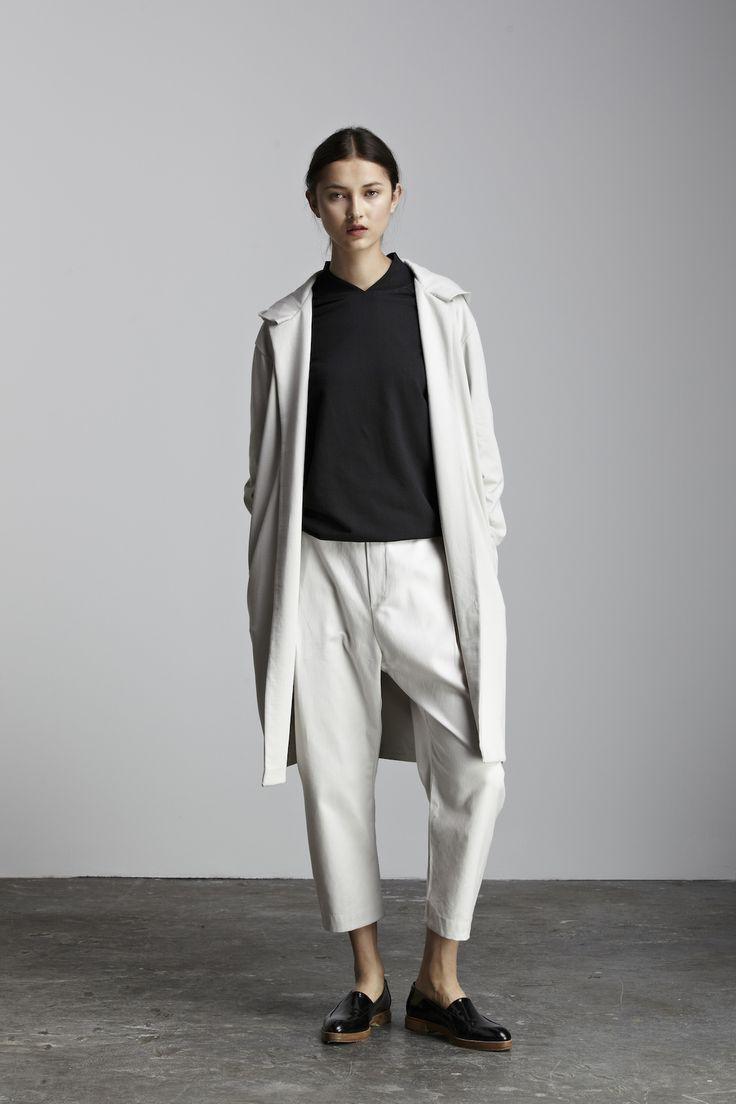 liebe den Mantel kuratiert von ajaedmond.com | Kapsel Kleiderschrank | minimal chic | …   – Personal Style + Style Inspiration