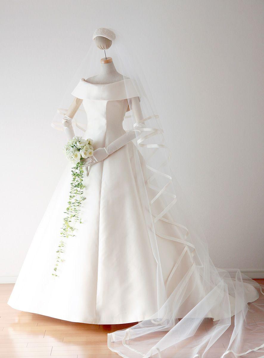 肩ありドレスの表 ドレス シンプル ウエディングドレス 袖あり