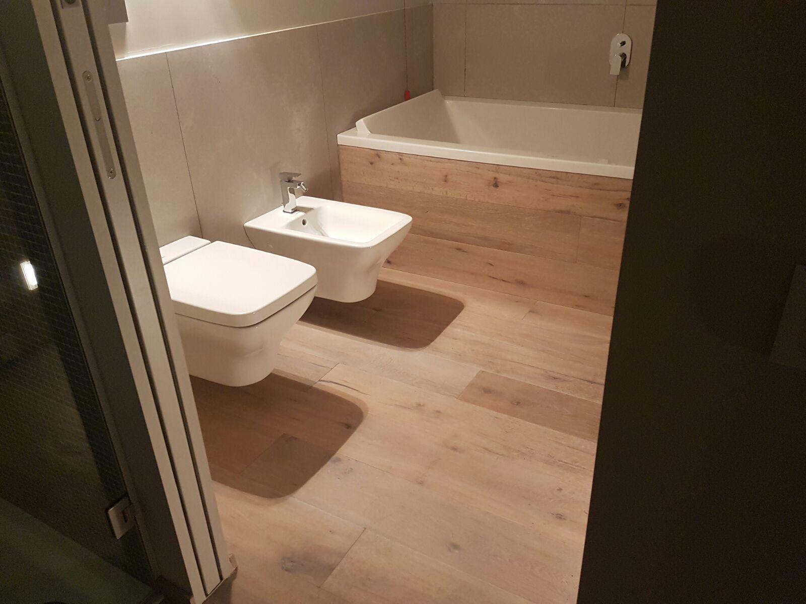 Bagno #arredobagno #sanitari #legno #vasca #vascadabagno