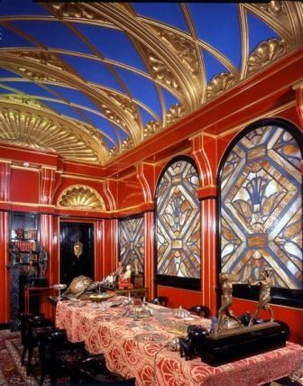 Moderna stanza della cheli vittoriale degli italiani for Casa moderna gardone