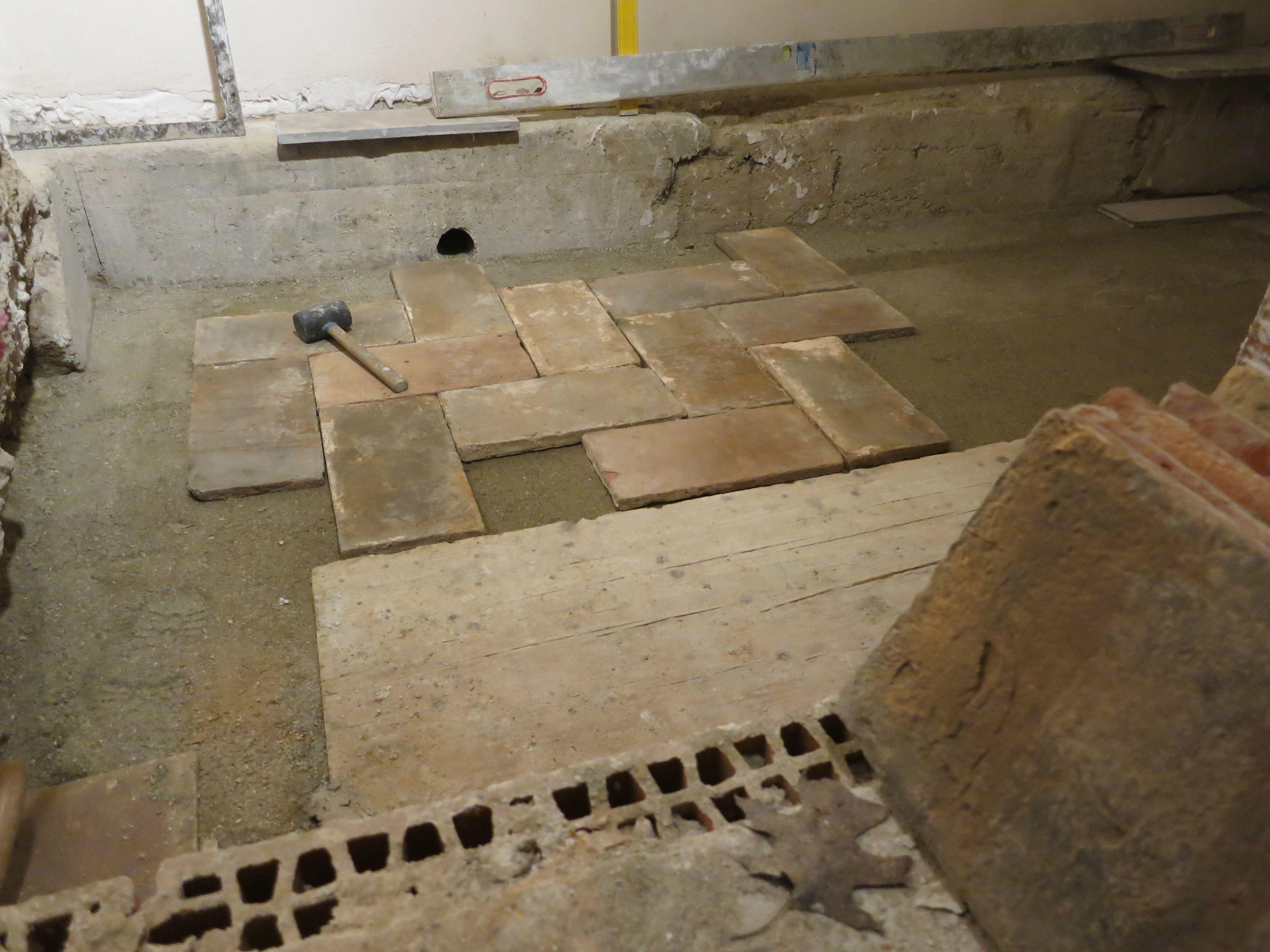 Arredamento Lombardo ~ Posa su letto di sabbia di medoni antico cotto lombardo