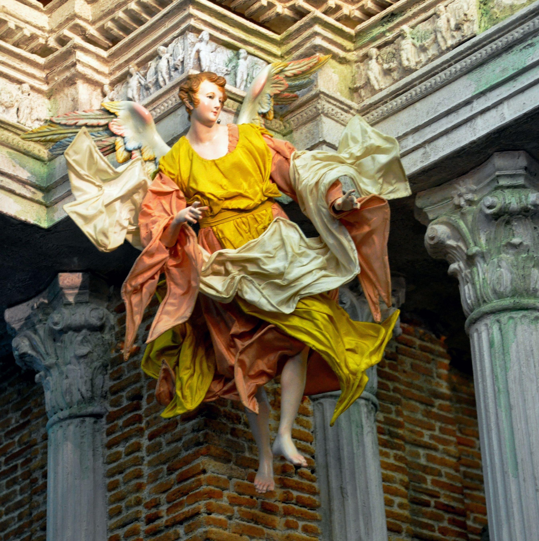ANGELO IN VOLO ARTE NAPOLETANA CONTEMPORANEA | Antique christmas, Metropolitan museum of art ...