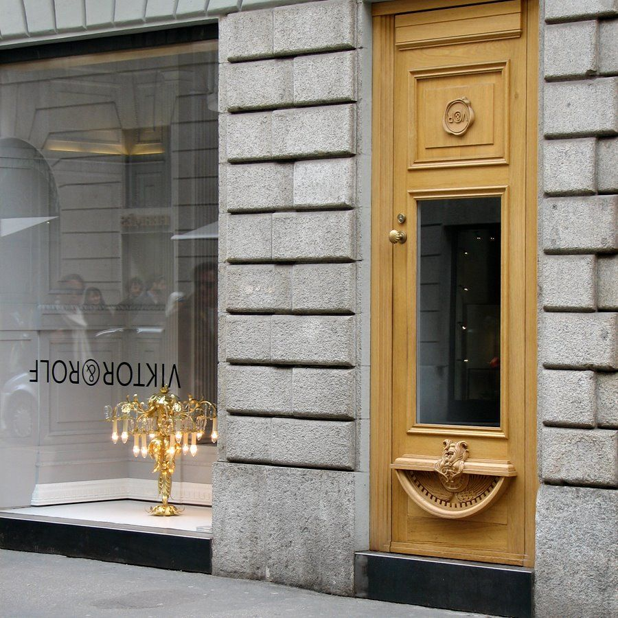 "p* : Victor & Rolf flagship store milano (r.i.p.) ""upside down interior design"""