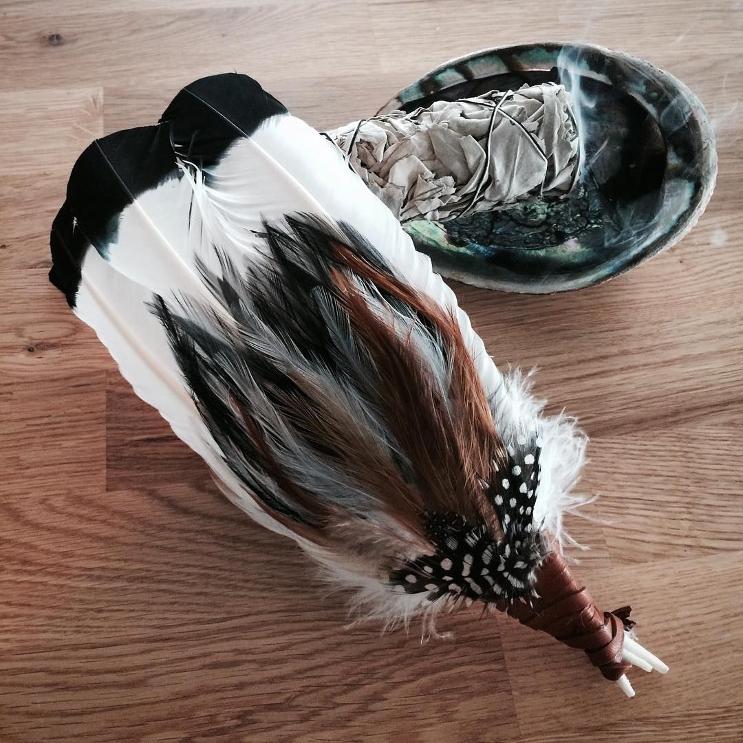 Smudge feather & white sage Smudging, Smudge sticks, Feather