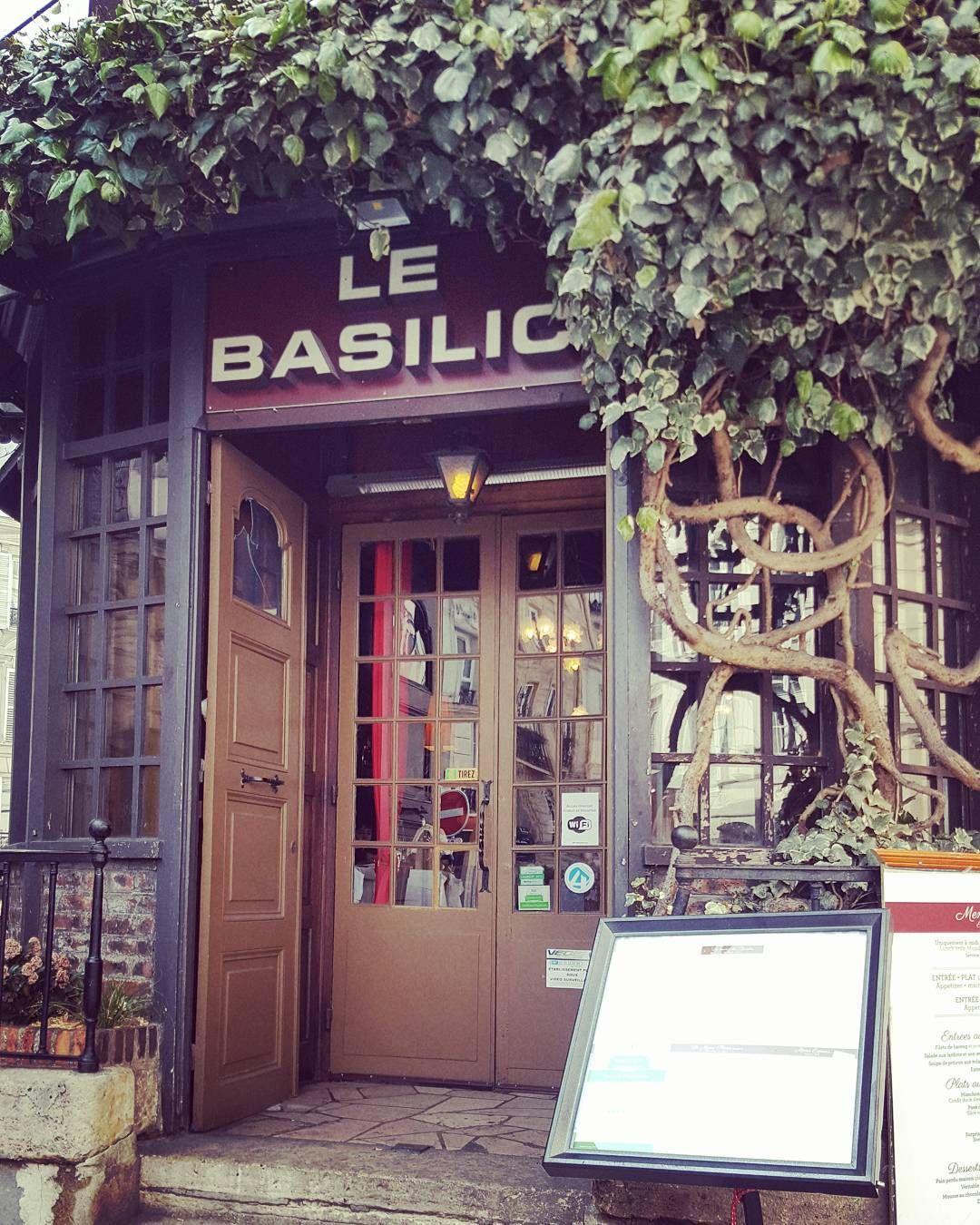 #hcinnamon #lebasilic #montmartre #paris #recomendable #100% #delicious #excelenteservicio