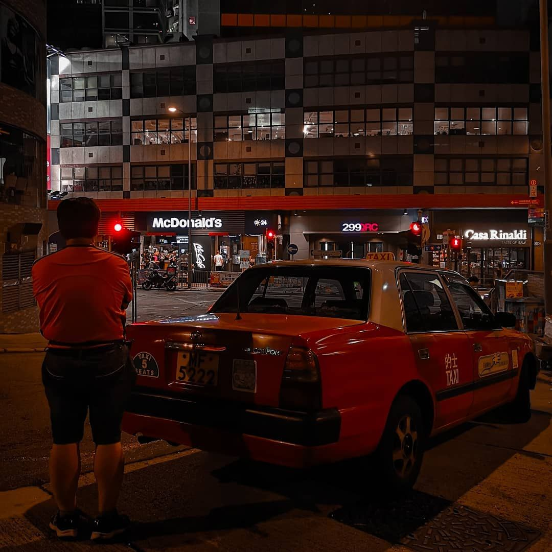 24 Tykkaysta 0 Kommenttia Markus Linna Sir Castle Instagramissa Taking A Break Taxi Redtaxi Taxidriver Str Victoria Harbour Hong Kong Night Time