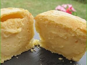 """Pasticciotto Leccese (Pâtisserie Italienne : pâte sablée fourrée à la crème pâtissière) Pasticciotto Leccese (Pâtisserie Italienne : pâte sablée fourrée à la crème pâtissière) Le """"pasticciotto"""" est le gâteau incontournable de la région des Pouilles et plus particulièrement de la ville de Lecce dont c'est la pâtisserie emblématique. La première fois que j'ai goûté à cette pâtisserie, la première chose que je me suis dite c'est : il faut que j'apprenne à faire ce... - ..."""