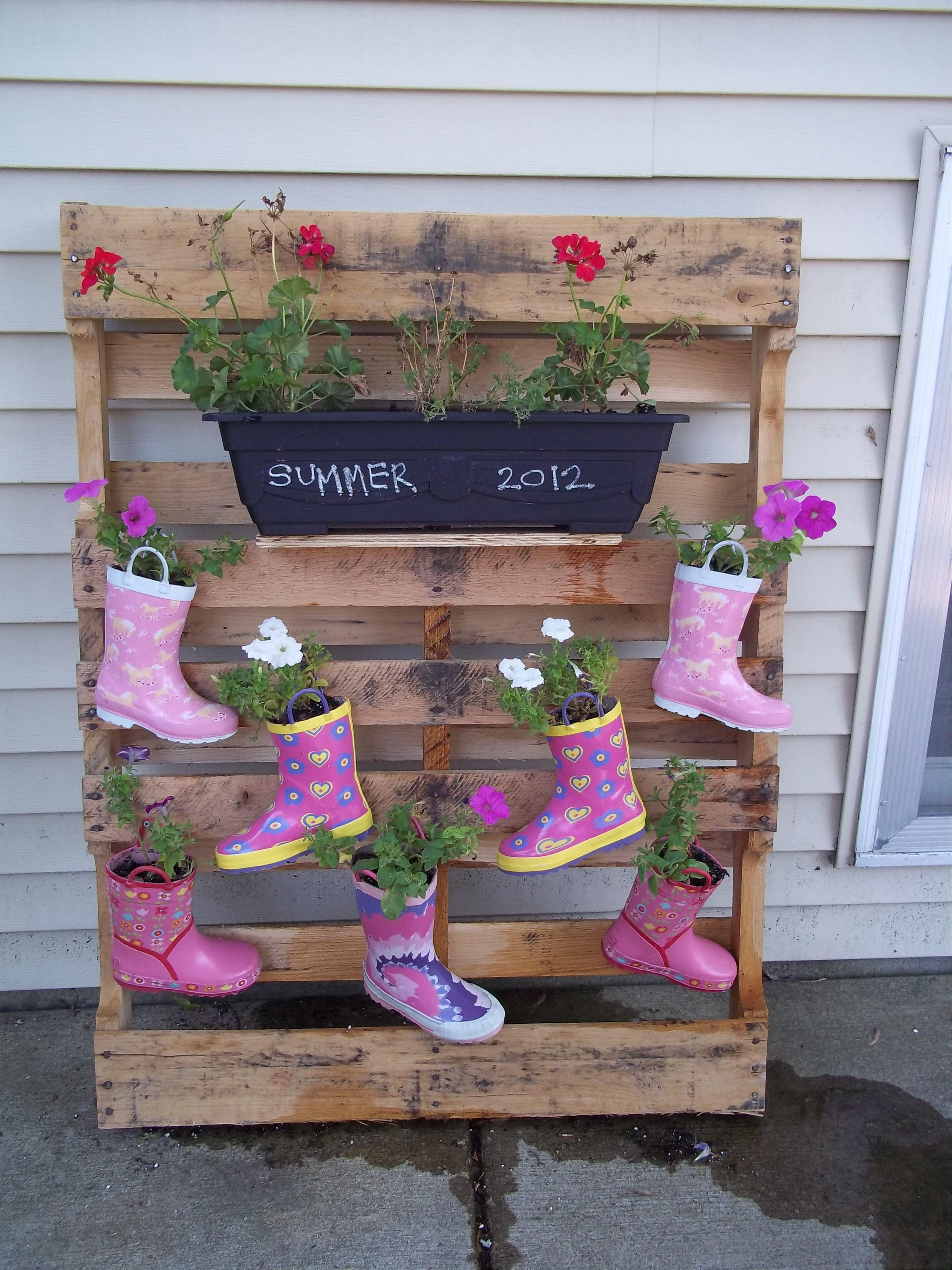 Rain Boot Planter Free pallet, thrift store rain boots, dollar ...