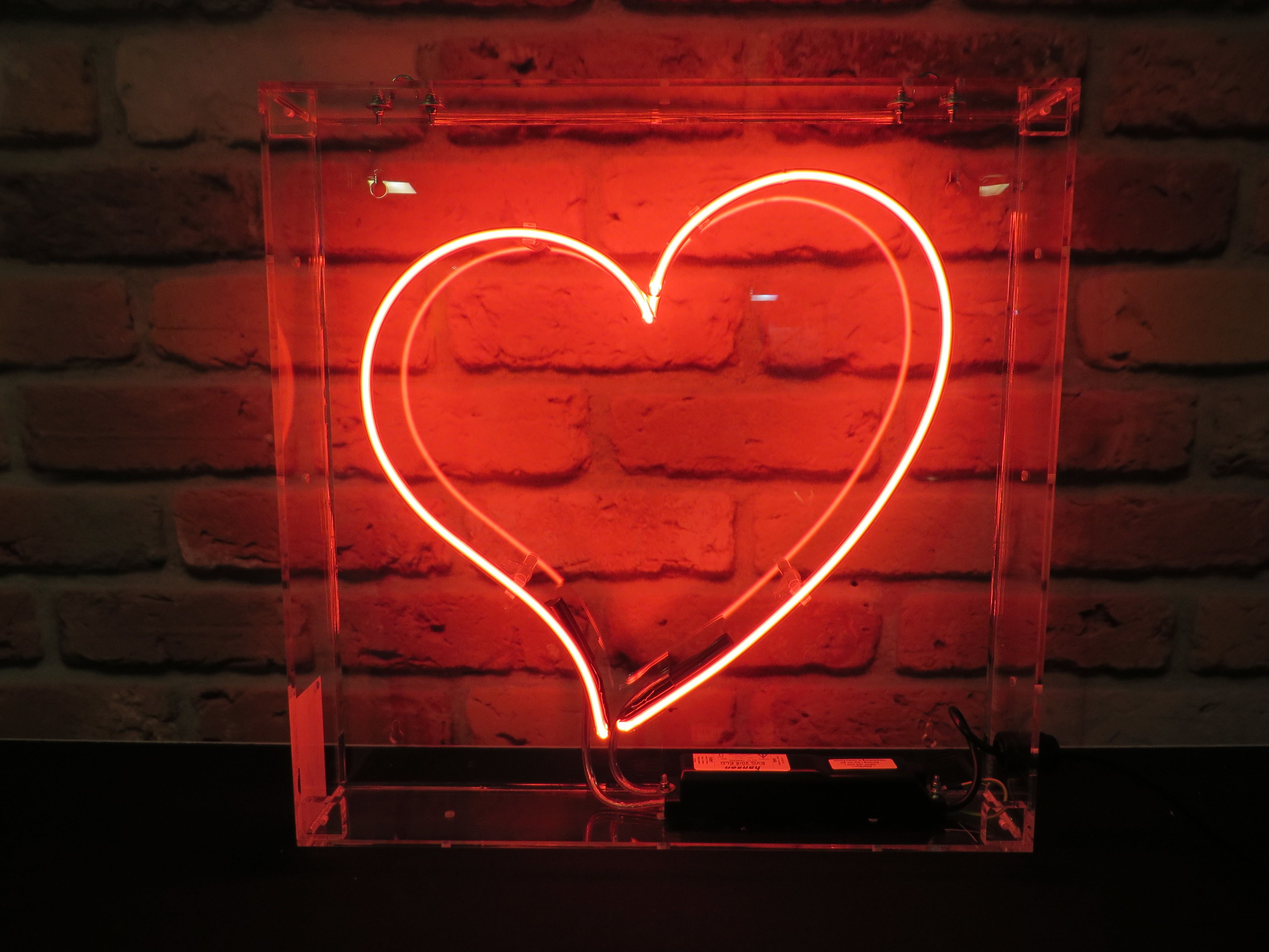 Red Heart Neon Sign For Hire Neon Signs Neon Lighting Neon
