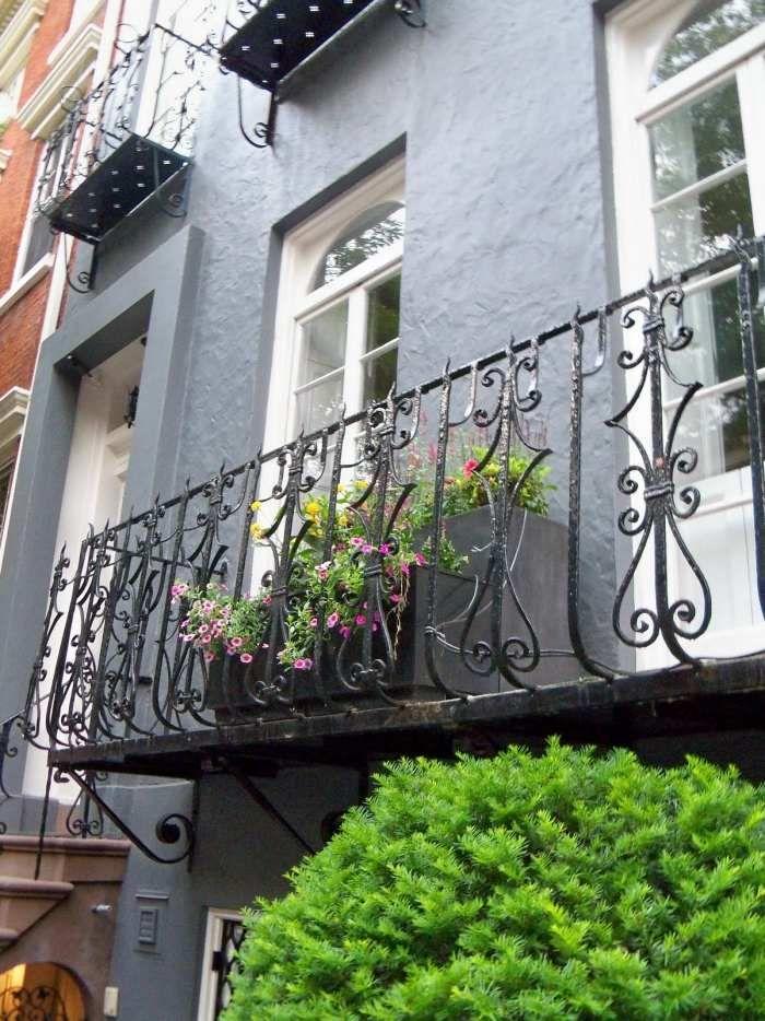 französische balkone mit fenstergitter abgesichtert, Gartengerate ideen