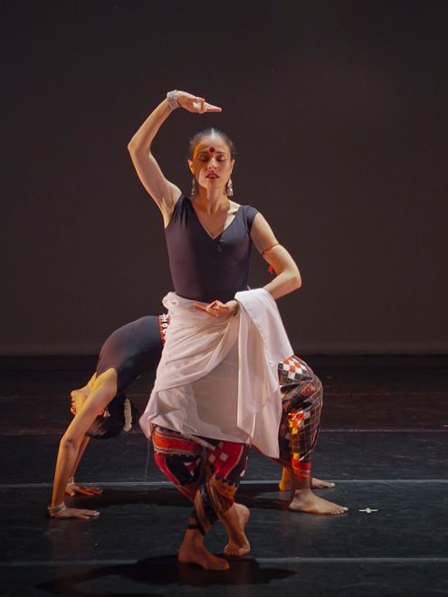 Pics For Indian Contemporary Dance Images Dance Images Contemporary Dance Indian Dance Costumes