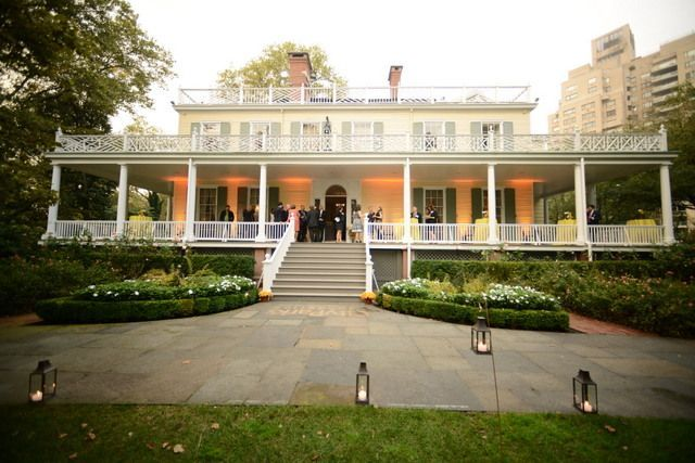 10 Fun Facts About Gracie Mansion Nyc S Little White House Untapped Cities Mansions Little White House Suburban House