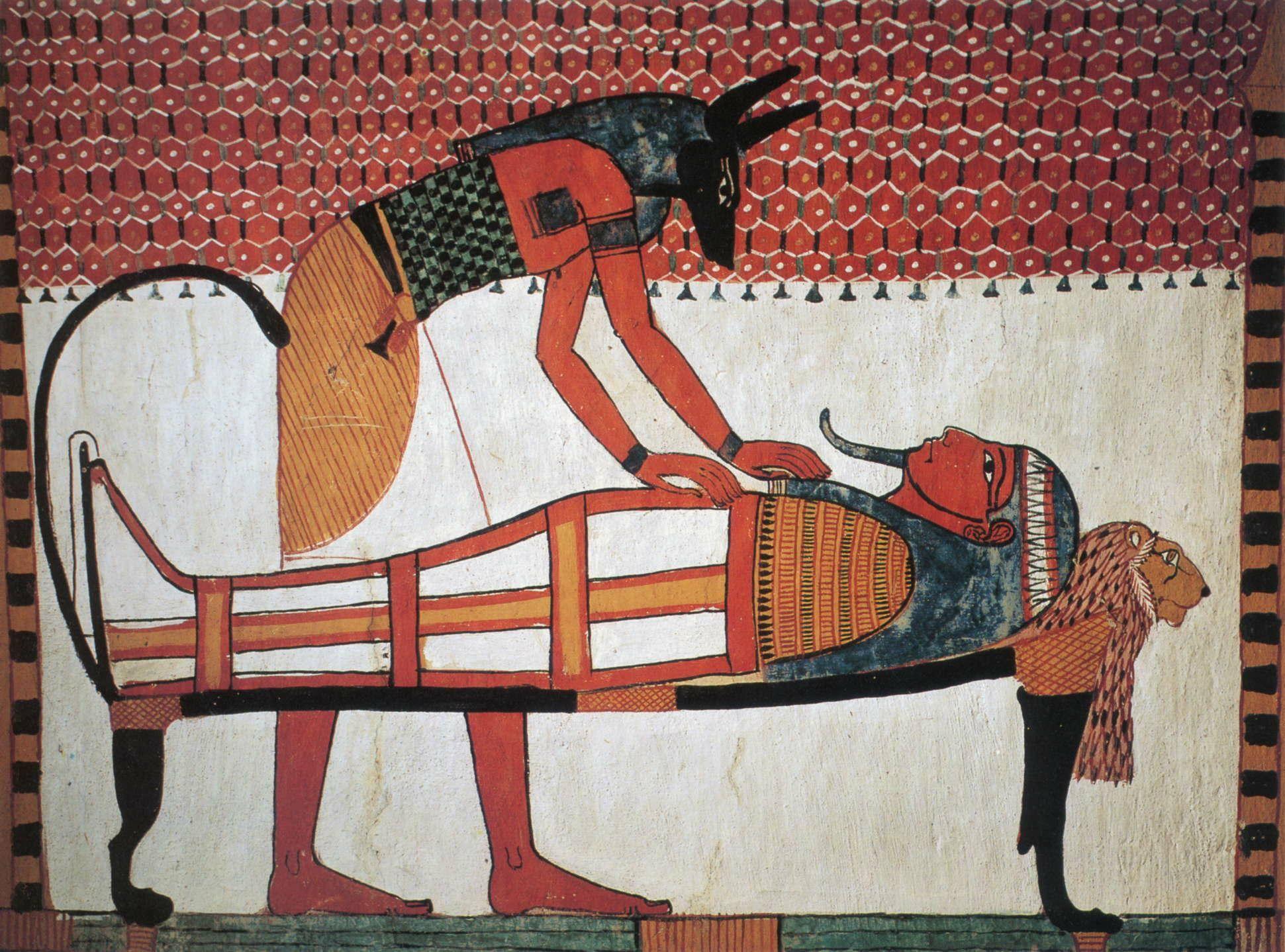 ANÚBIS, O CHACAL - Animal que tem o hábito de desenterrar ossos, de forma paradoxal representava para os egípcios o deus Anúbis, justamente a divindade considerada a guardiã fiel dos túmulos e patrono do embalsamamento. Sua principal função era de preparar a múmia para a viagem ao submundo. Dizia-se que estava destinado a proteger os deuses, assim como os cães protegem os homens - Tumba em Deir el Medina, Luxor -Tebas (c. 1400 - 1350 a.C.)