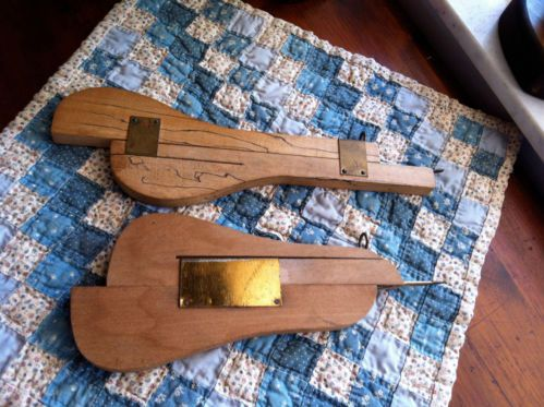 Two Vintage Wood Br Rag Rug Making Tool Punch Needle Sd Shuttle Ebay