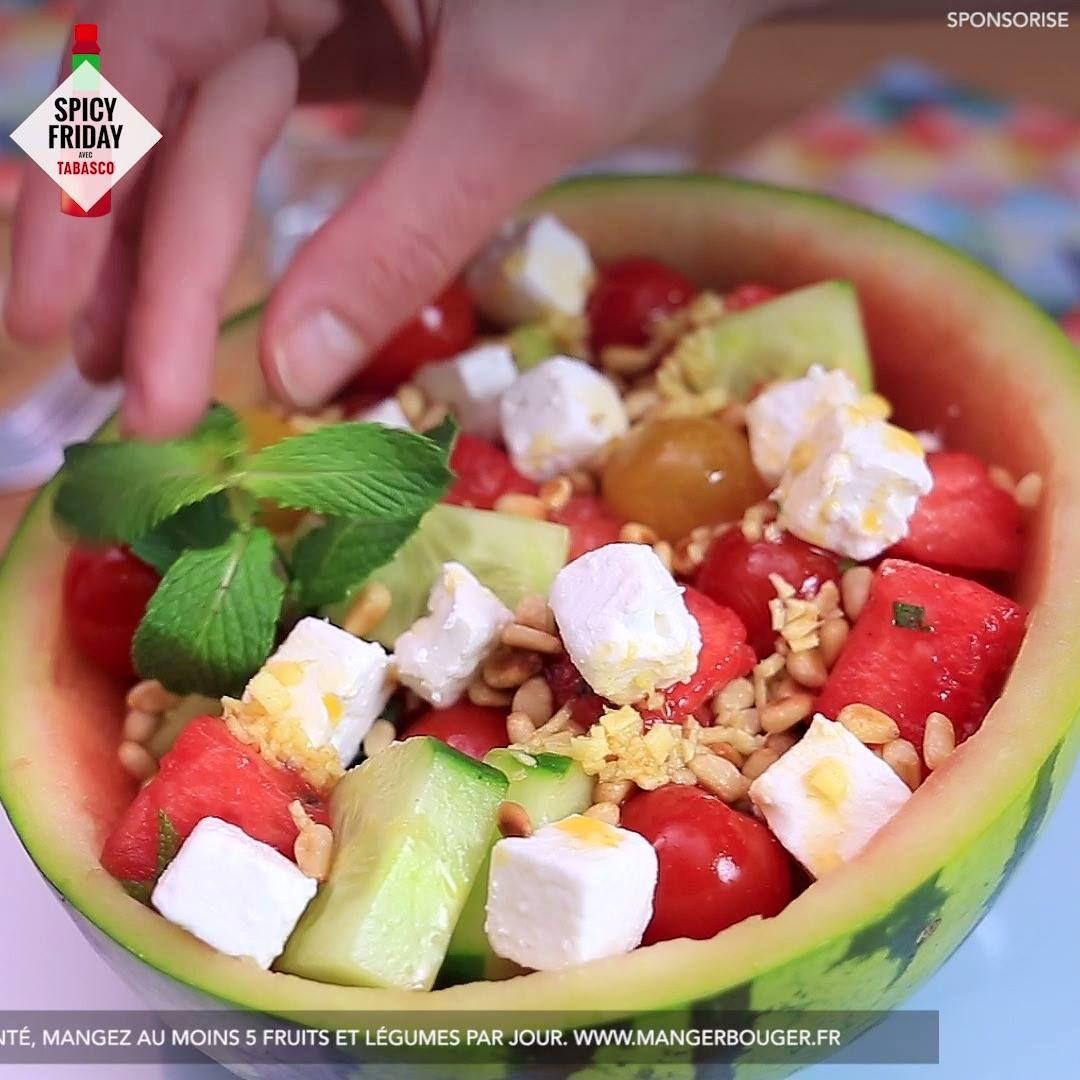 Cest le spicy friday ! Goûtez à cette délicieuse salade de pastèque au concombre, à la feta et à la sauce TABASCO® Rouge, parfaite pour lété !