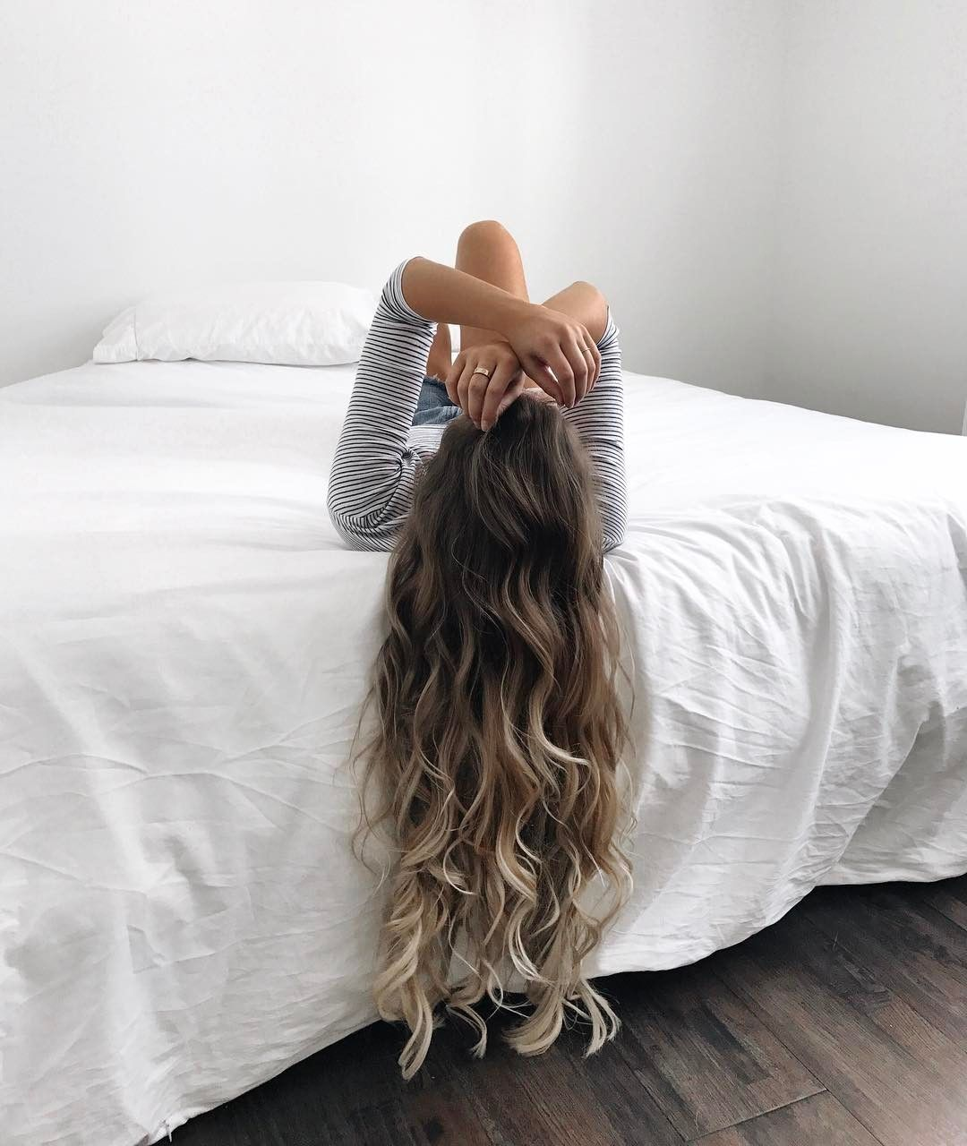 Chilling sunday with curl long hair ombre blonde girl tutorial