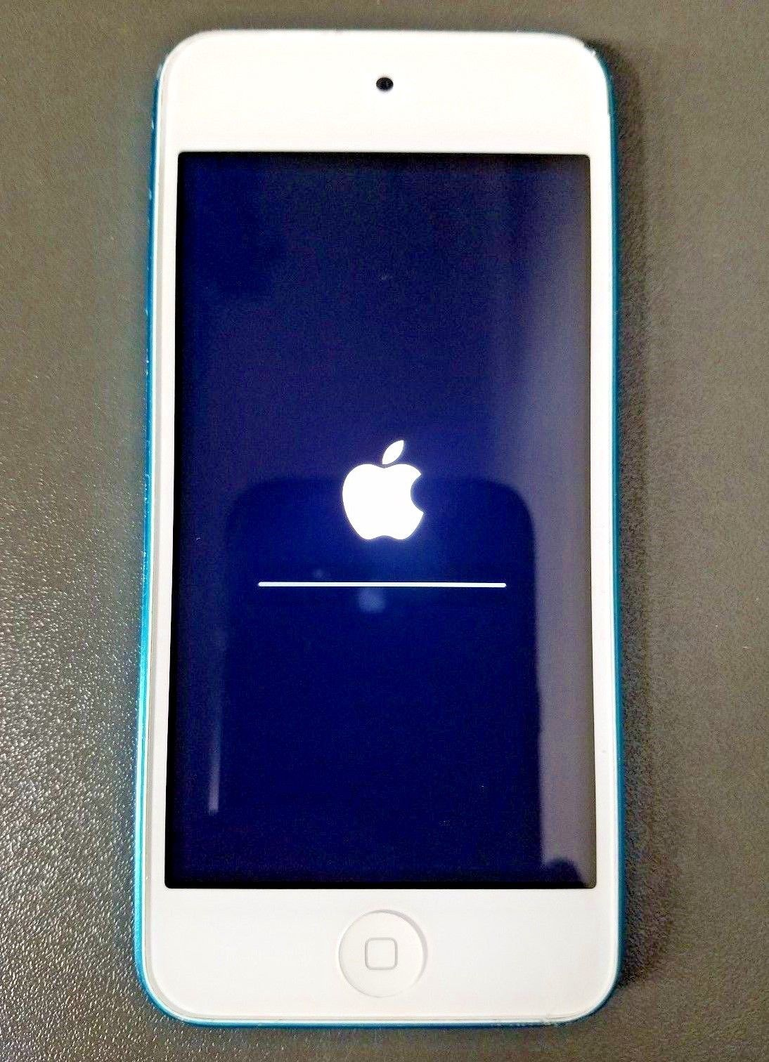 Apple iPod Touch 5th Generation Blue MD717LL/A 32GB https://t.co/PWY3PCLxVV https://t.co/nF4loD519r