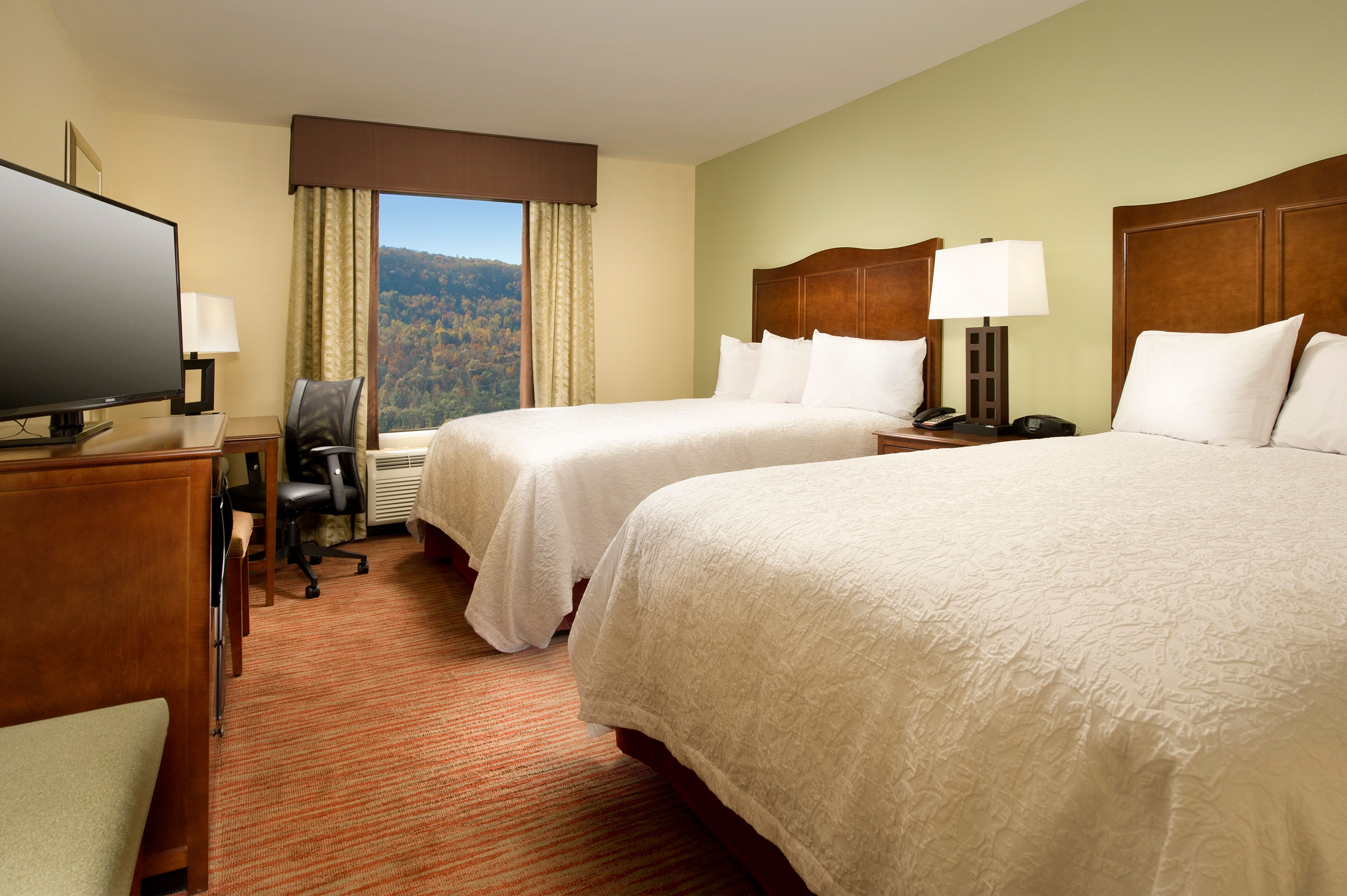 queen double guest room rooms amenities pinterest