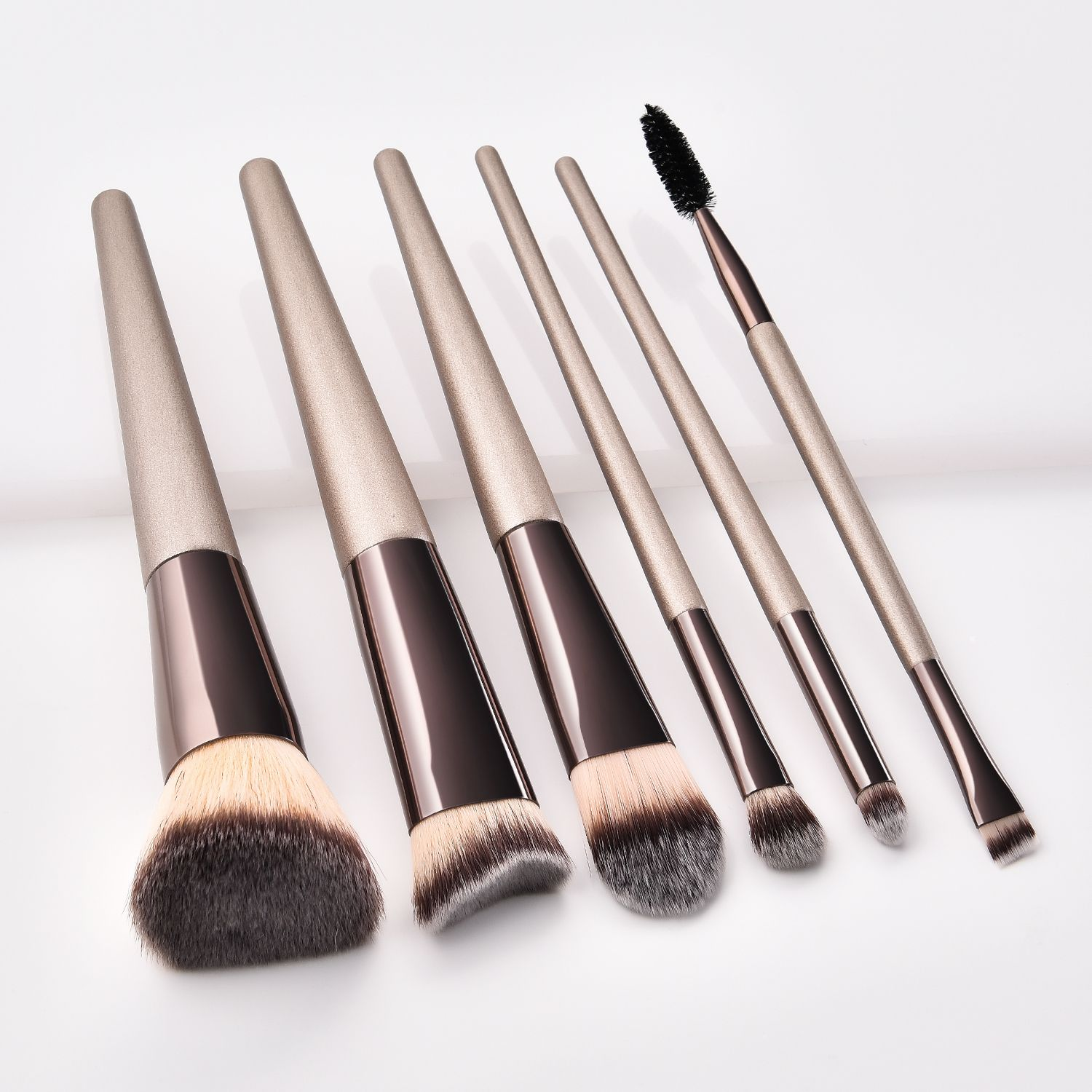 Luxury design makeup brushes set available wholesale