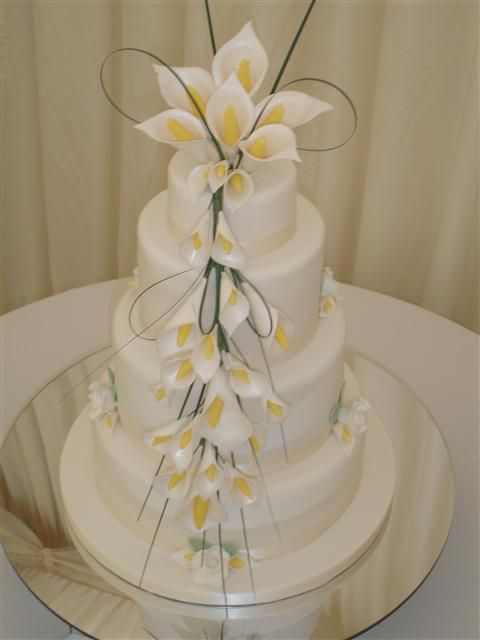 Wedding Cakes With Purple Cayla Lillies