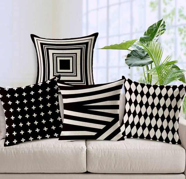 Wholesale 0601l 13 Black And White Classic Geometric Pattern Cushion Cover From M Alibaba Com Luxury Cushions White Sofa Pillows Decorative Cushions