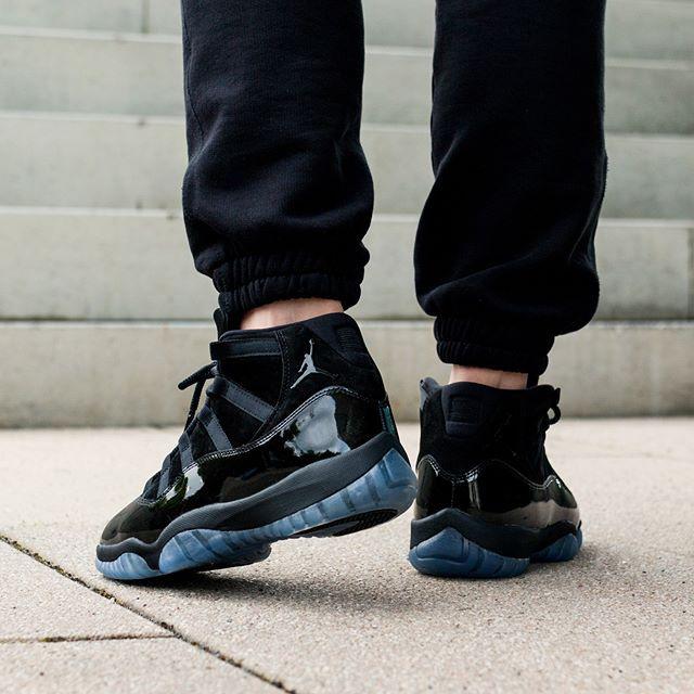 Nike Air Jordan 11 Retro *Cap and Gown